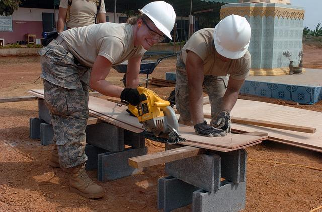 how construction laborers can reduce their risk of an onsite accident - Construction Laborer