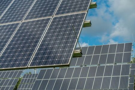 The role of flexibility in photovoltaic and battery optimal sizing towards a decarbonized residential sector