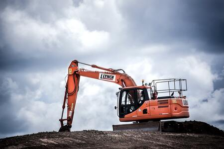 How Is the IoT Improving Construction Equipment Maintenance?