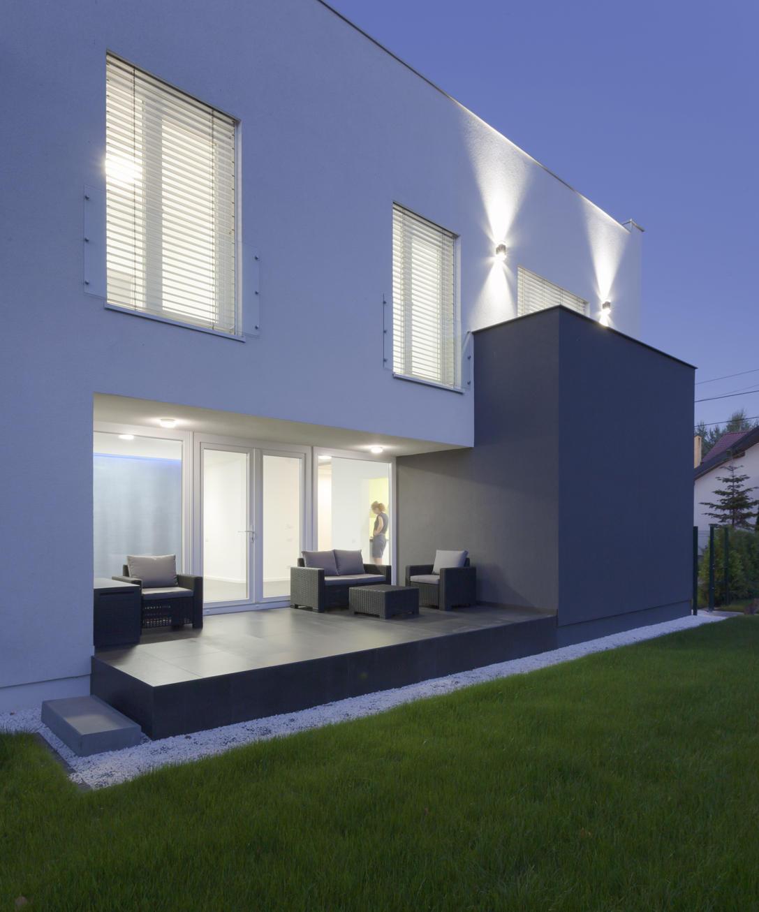 E4 House