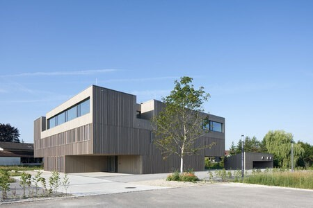 New Head Office and Lab Building, Riedering, Germany