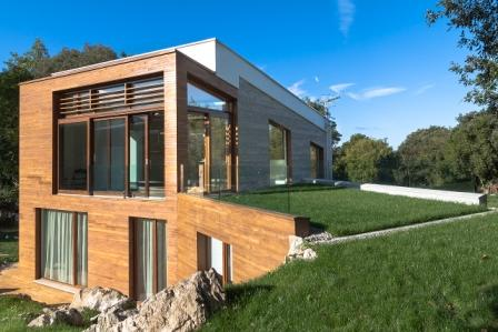 Tres ejemplos de viviendas pasivas en tres climas for Construccion de casas bioclimaticas