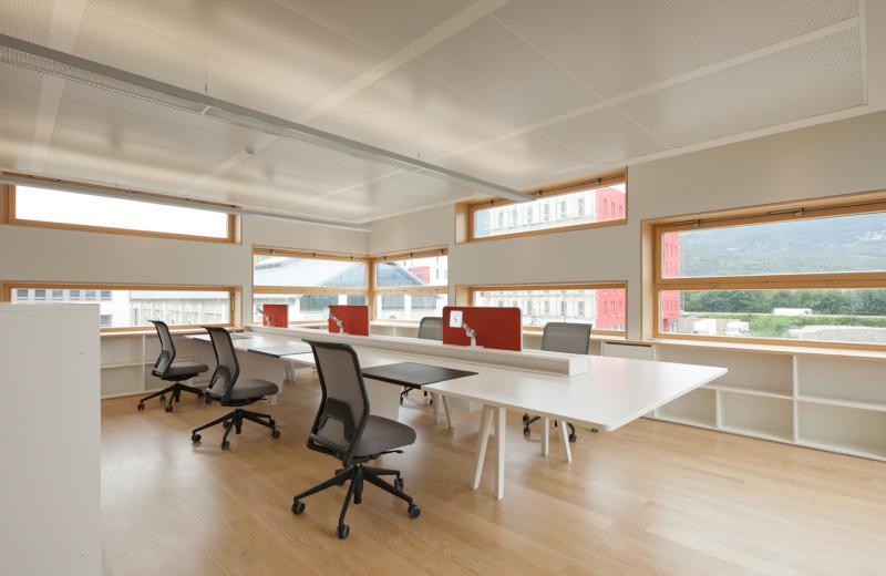 nouvelle agence groupe 6 grenoble 38 construction21. Black Bedroom Furniture Sets. Home Design Ideas