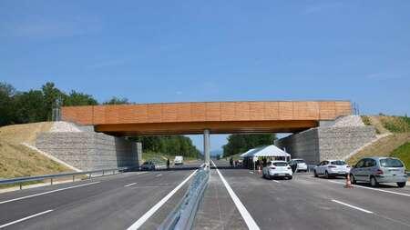 Ponts mixtes bois / béton à poutres en lamellé-collé