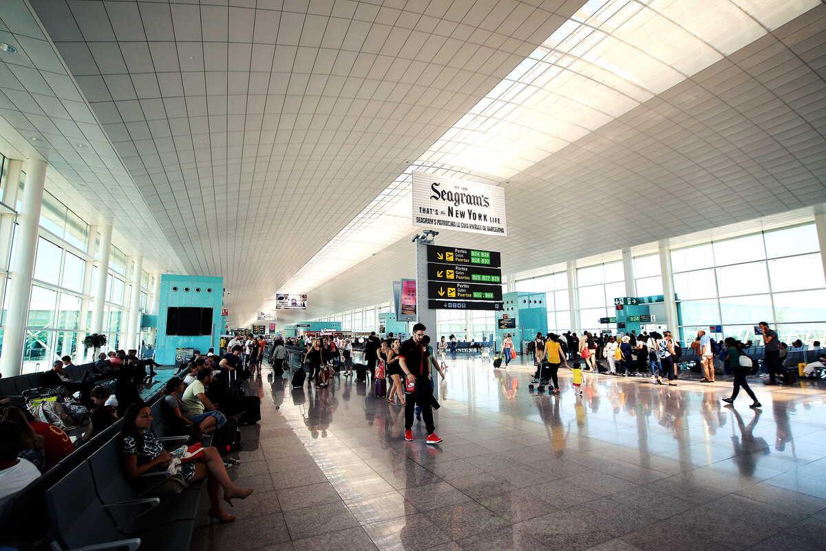 Quels leviers pour décarboner les aéroports ?