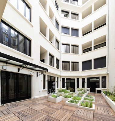 Monceau: transformation of a school into social housing and shops