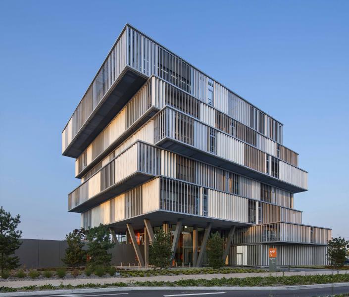 Nouveau si ge social d 39 aquitanis oph de la cub construction21 - Architecturen volumes ...