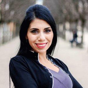 Dena VILLANUEVA